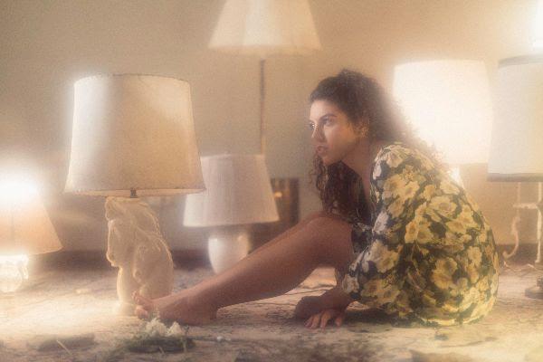 La cantautora peruana Lorena Blume nos presenta «Alma Sola»