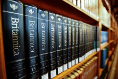 March - ENcypopedia Britannica stops printing