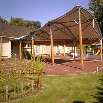 Création d'un préau d'école et réaménagement de la cour, Ostwald