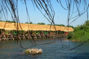 Hamacs dans les cabanes de Kampi
