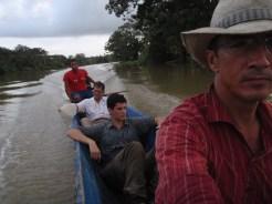 Piragua hacia Boca de Río Indio