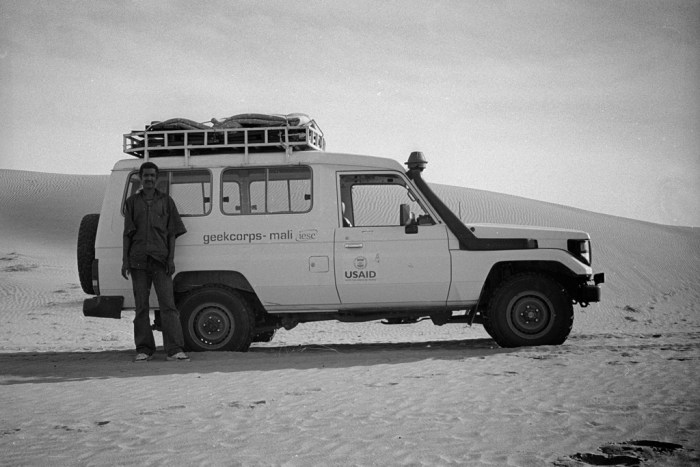 The Geekcorps truck in the Sahara desert