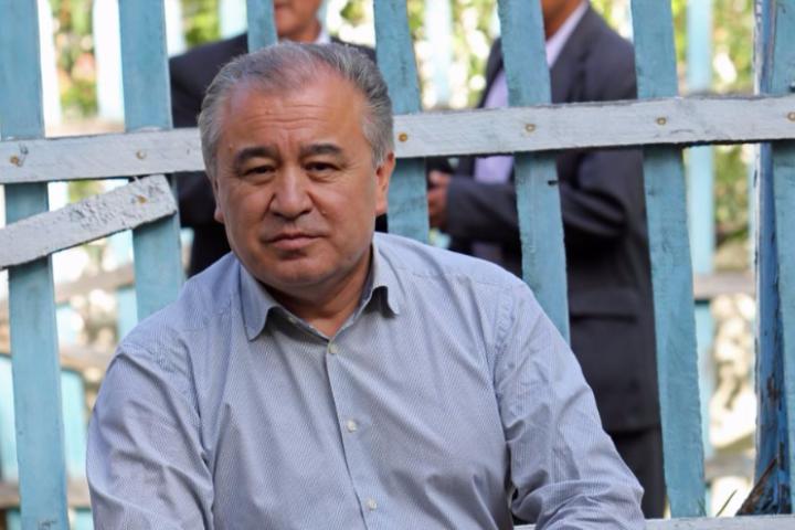 """Өмүрбек ТЕКЕБАЕВ, """"Ата Мекен"""" фракциясынын лидери: """"Кадыржан Батыровго эң көп жолуккан Атамбаев болгон"""""""