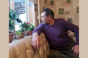 Кыргызстанга биринчи жолу мүйүздөн кыл кыяк жасаган – Нурбек Турдакунов