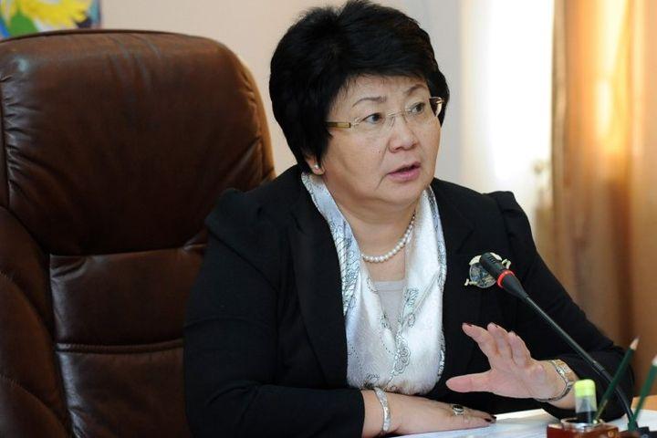 Роза ОТУНБАЕВА, экс-президент: «Бийликке жаңы жүздөр келип, ошолор иштесин»