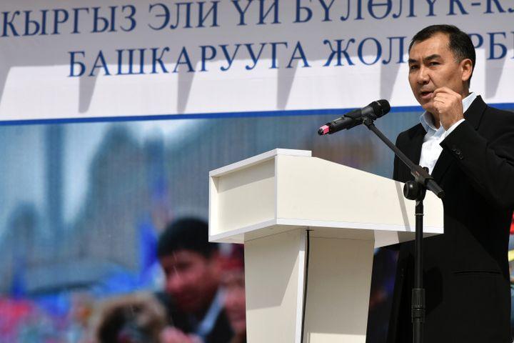 ИИМ: «Равшан Жээнбеков кафеден кармалып, ИИМдин тергөө кызматына алынып келинди»