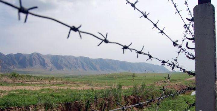 Кыргызстан тажик студенттерине өлкөгө кирүүгө уруксат берген жок