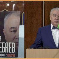 """Видео - Өмүрбек ТЕКЕБАЕВ: """"Жээнбеков Атамбаевдин планын таш каптырып, аны токтотту. Эки жылы аны менен күрөшүүгө кетти"""""""
