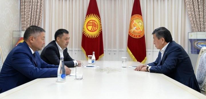 Президент премьер-министр менен спикерди кабыл алып, диалогго ардайым даяр экенин билдирди