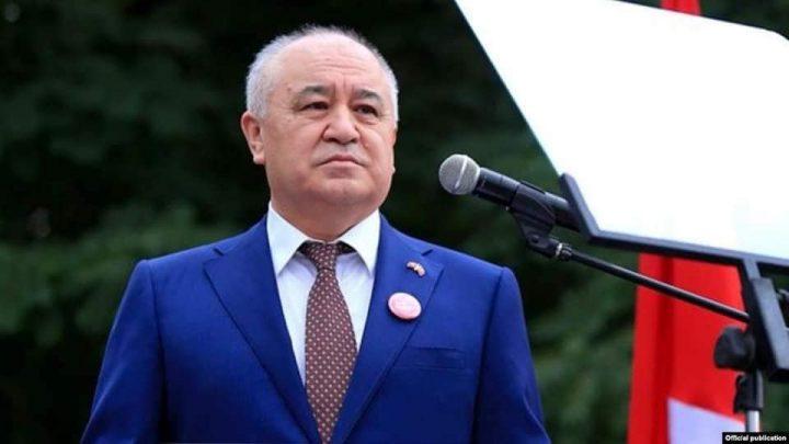 «Ата Мекен» фракциясынын лидери алмашты. Өмүрбек Текебаевдин ордуна ким шайланды?