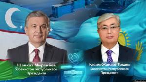 Токаев менен Мирзиёев Кыргызстандагы окуяларды талкуулады