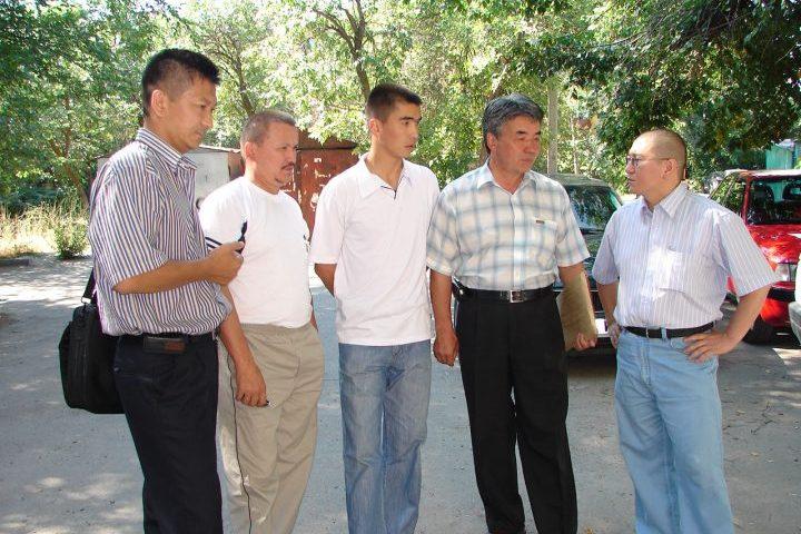 Түгөлбай КАЗАКОВ: «Кыргызда: «Даттанба, актанба, мактанба!» дейт. Эрнисте ушул үч сапат бар болчу»
