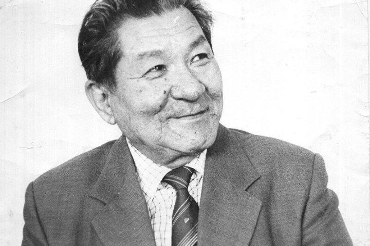 ВИДЕО — Ашыралы Айталиевдин ысымын Бишкектеги көчөгө берүү боюнча Ак үйдүн жообу