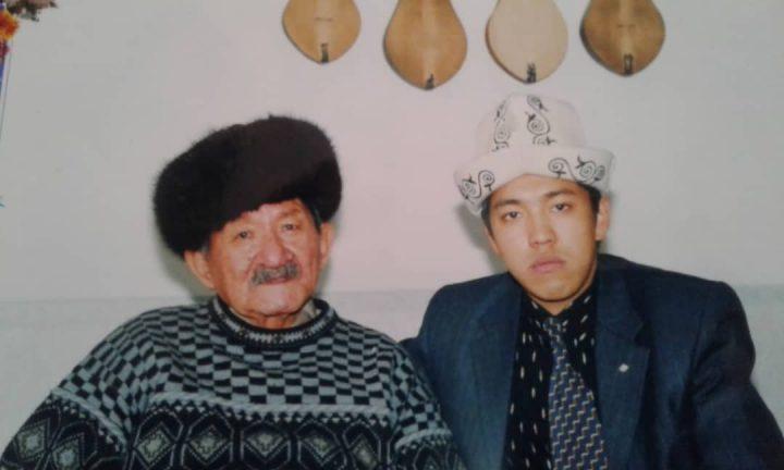 ВИДЕО — Ашыралы Айталиевдин атын Бишкектеги чоӊ бир көчөгө берүү демилгени акын, ырчылар колдоду!