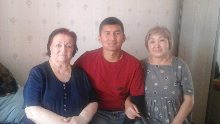 ВИДЕО — Ашыралы Айталиевдин байбичеси, кызы, небереси элге жана эки саясатчыга ыраазычылык билдирди