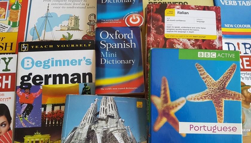 تعلم اللغة من ناطقيها الأصليين