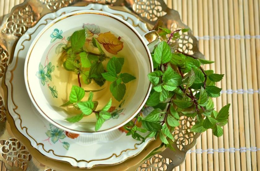 فوائد الشاي الأخضر والعسل