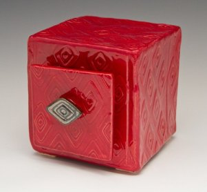 hamblin_red_boxw_drawer_9712_600x600ps-640
