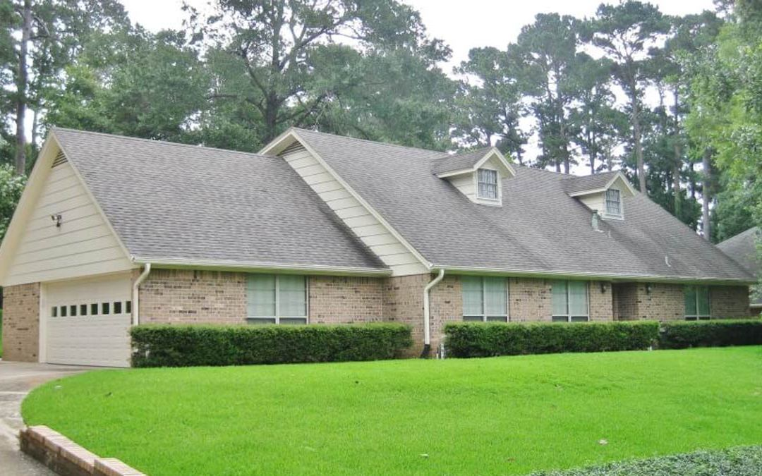 2922 COLONIAL DR. – $225,000