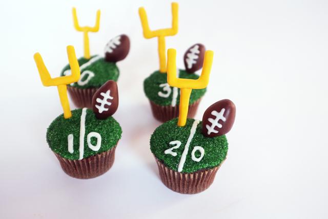 AJM Football Cupcakes_finished1_web