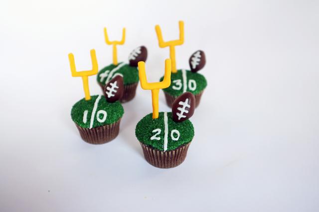 AJM Football Cupcakes_finished2_web