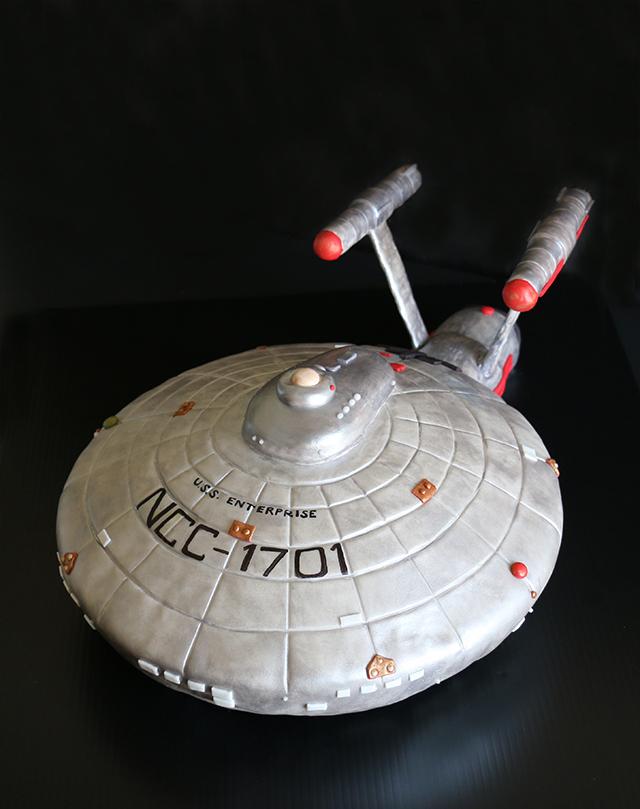 Star Trek Starship Enterprise Cake 2