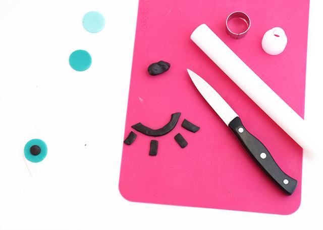 DIY Eye Wink Cupcakes Step 3