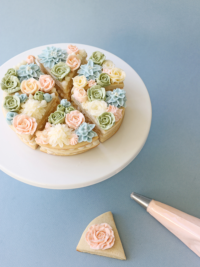 Cookie Cakes with Flowers