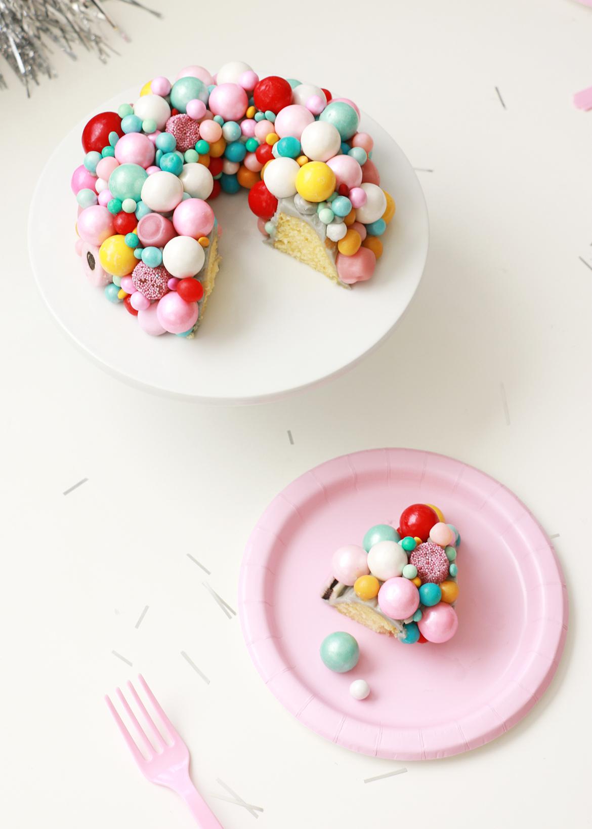 Retro Wreath Cake