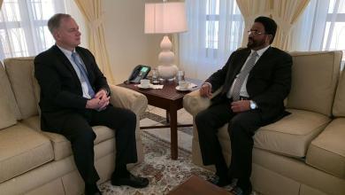 Photo of المحافظ العرادة للسفير الأمريكي : الشعب اليمني يتوق للسلام العادل والمستدام القائم على المرجعيات الثلاث
