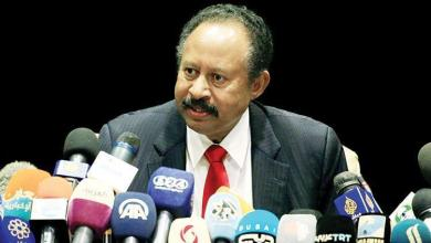 Photo of رئيس الوزراء السوداني يؤكد : قلّصنا عدد قواتنا في اليمن من 15 ألف إلى 5 آلاف جندي