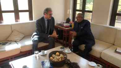 Photo of المحافظ سميع يناقش مع السفير الفرنسي آخر مستجدات الساحة اليمنية