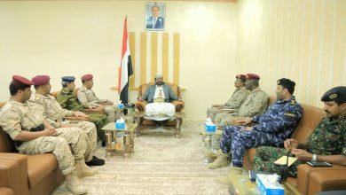 Photo of المحافظ العرادة يترأس إجتماع للجنة الأمنية بمحافظة مأرب