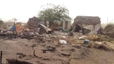 Photo of وفاة طفلة وإصابة 4 آخرين في حريق اندلع في مخيم للنازحين بالحديدة