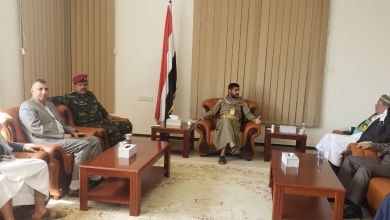 Photo of بالفيديو والصور : إنشقاق ضابط رفيع من قوات حراس الجمهورية وانضمامه إلى صفوف الحوثيين