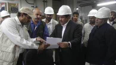 Photo of وزير النفط يتفقد سير العمل في شركة صافر وامكانيات استئناف تصدير النفط عبر ميناء النشيمة