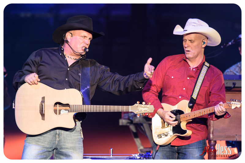 Garth_Brooks_San_Diego-14