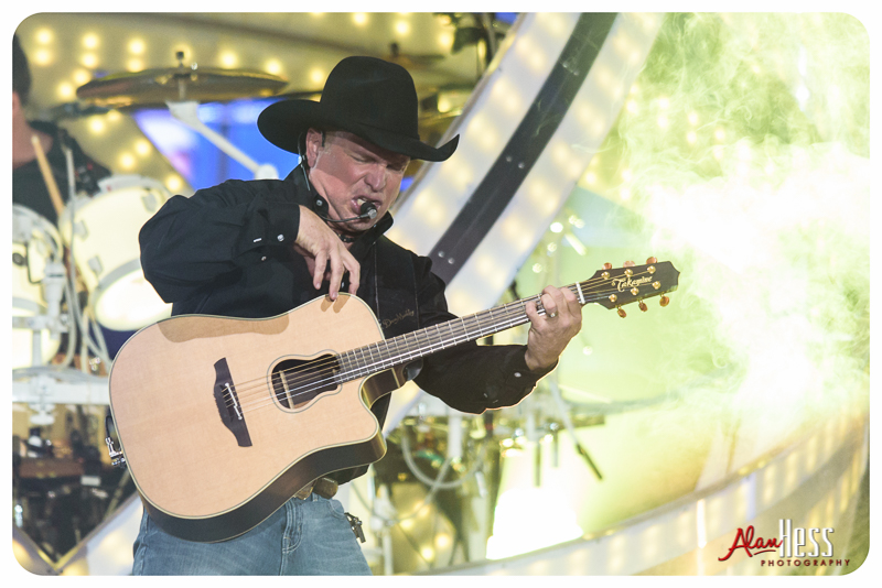 Garth_Brooks_San_Diego-5