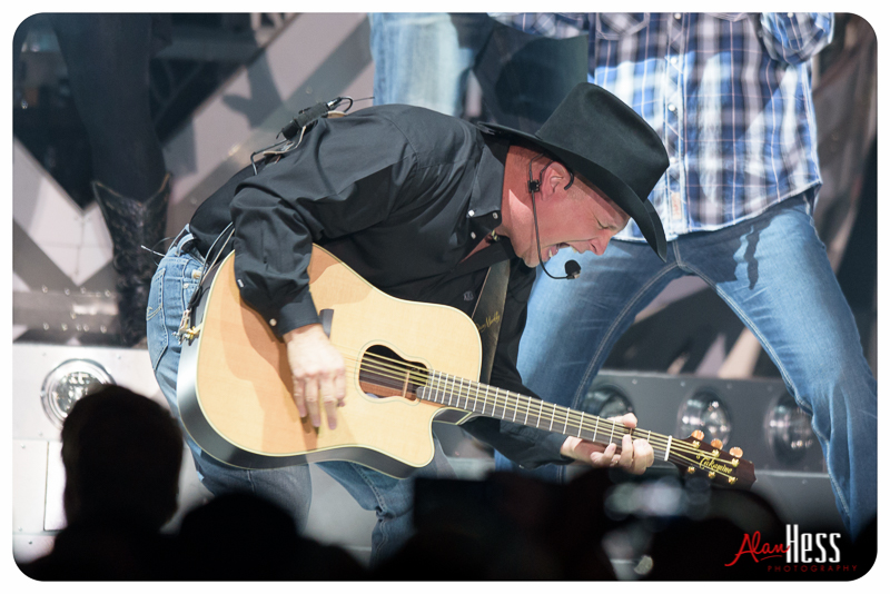 Garth_Brooks_San_Diego-9