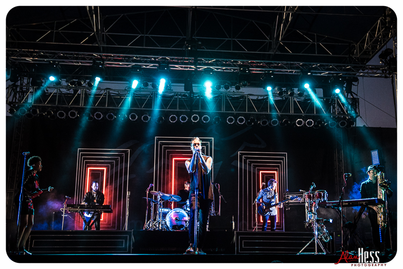 Fitz and the Tantrums perform at the Del Mar racetrack on July 29, 2016 (Photo by Alan Hess)