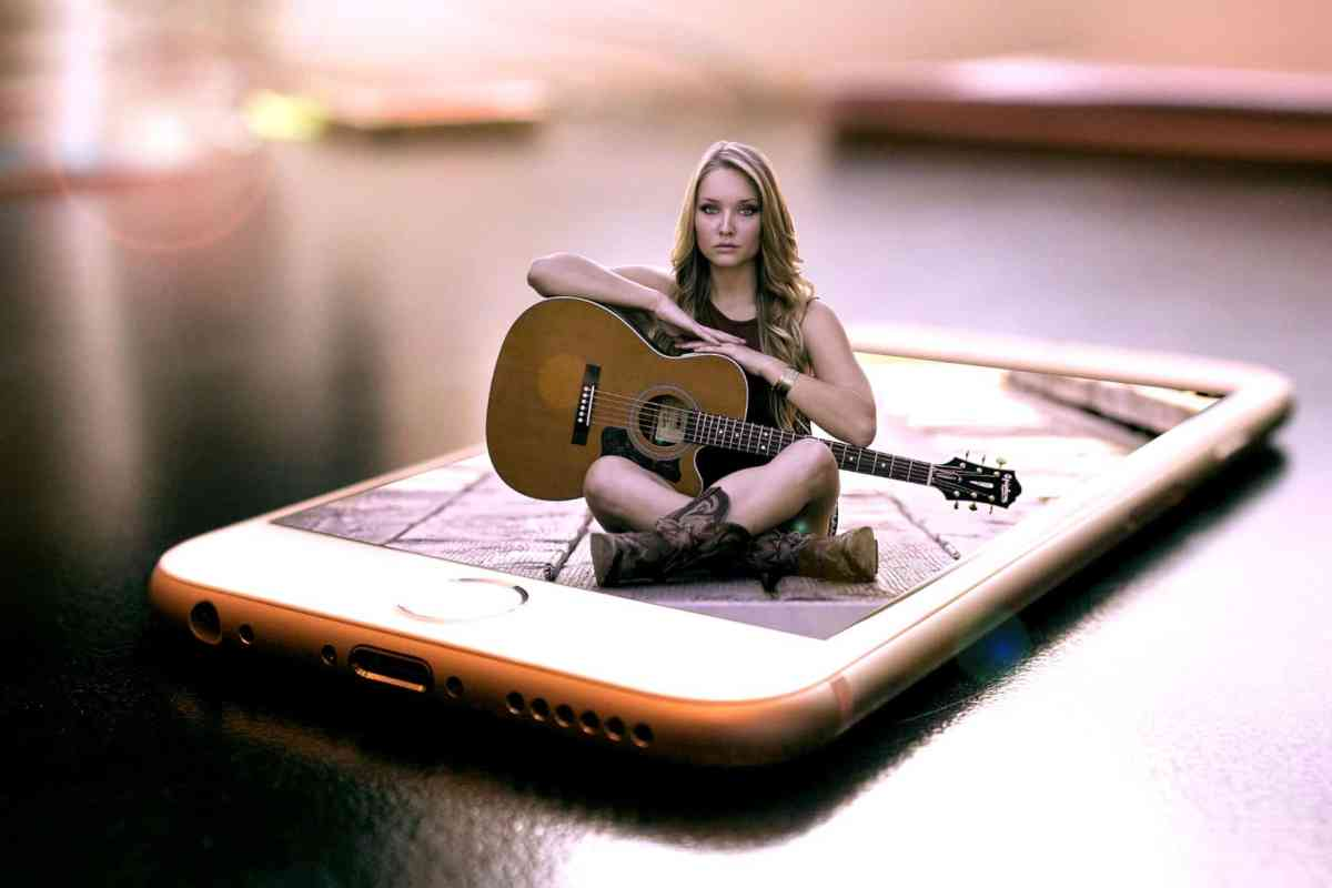 How to Make Money Online as a Singer or Musician
