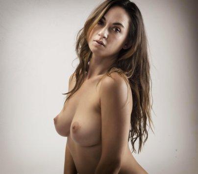 A topless portrait of Jewels