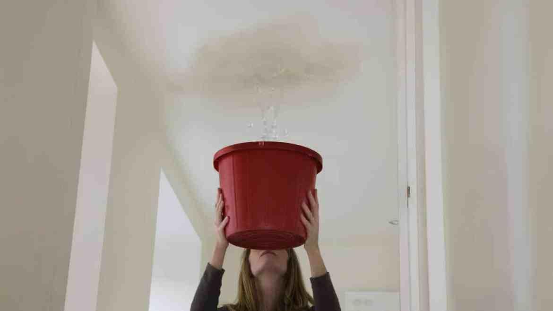 علاج تسرب المياه من السقف وعلاج تسرب المياه من السطح