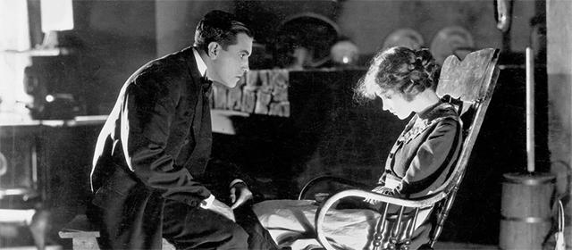 Richard Barthelmess et Lillian Gish dans A travers l'orage (1920)