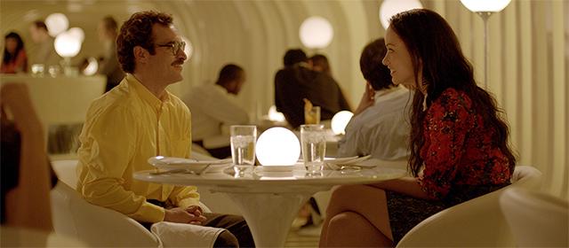 Joaquin Phoenix et Olivia Wilde dans Her (2014)