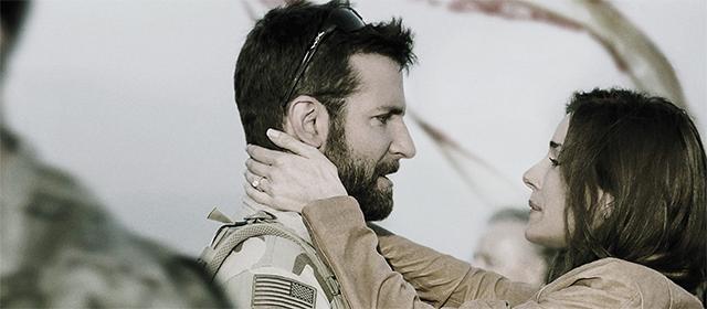 Bradley Cooper et Sienna Miller dans American Sniper (2015)