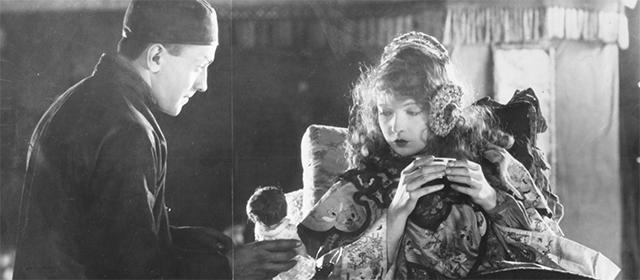 Richard Barthelmess et Lillian Gish dans Le Lys Brisé (1919)