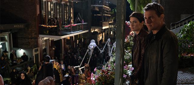 Cobie Smulders et Tom Cruise dans Jack Reacher : Never Go Back (2016)