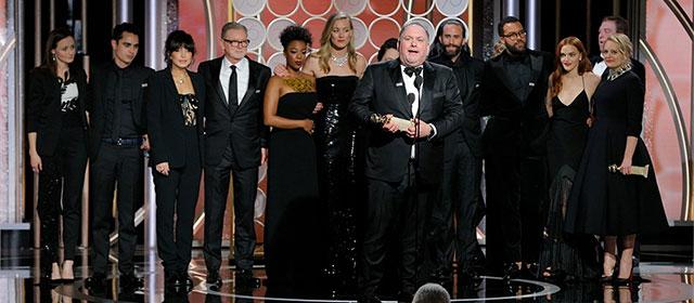 L'équipe de The Handmaid's Tale aux Golden Globes 2018 (© Paul Drinkwater/NBC)
