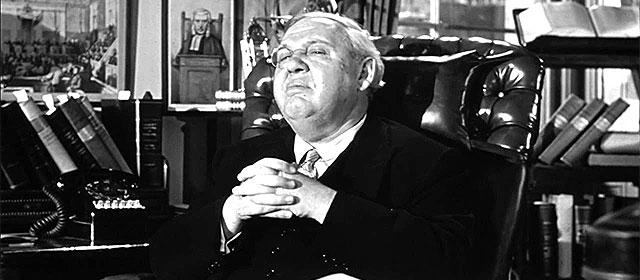 Charles Laughton dans Témoin à charge (1957)